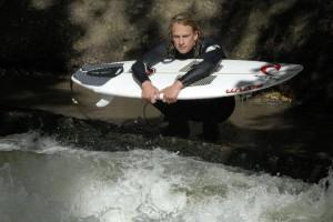 Quirin Stamminger eisbach river surfer