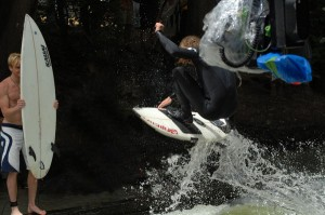 Quirin Stamminger eisbach river surfing Keep Surfing Dreh