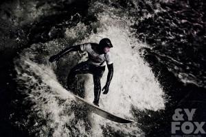 Andy-Fox_Eisbach-München-river-surf-fluss-wave-fotographer_Gerry-Schlegel