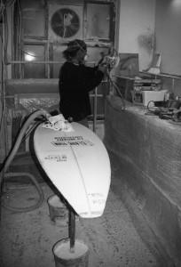 Dee Dee Wallauer River Surfboard Shaper_Werkstatt_1994