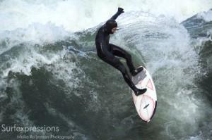 conni grundmann_eisbach-münchen-river-fluss-welle-surfer