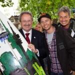 Eisbach Welle Muenchen gerettet Ude River Surfen nun legal