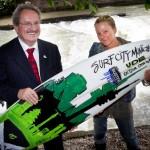 Eisbach Welle Munchen gerettet Ude River Surfen legal