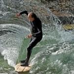 Eisbach-River-Surfer-Guenter Nusser Spray am Eisbach München