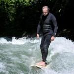 Eisbach-River-Surfer-Guenter Nusser am Eisbach München cruising
