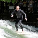 Eisbach-River-Surfer-Guenter Nusser am Eisbach München speed