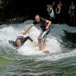 Eisbach-River-Surfer-Guenter Nusser am Eisbach München1