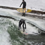 eisbach mnchen riversurfen eis