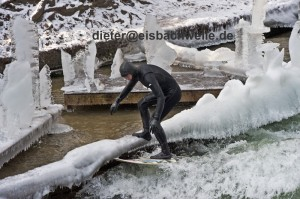 river surfing ice bach munich germany