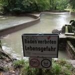 Eisbach Bade Kurve im Trockenen ohne Wasser